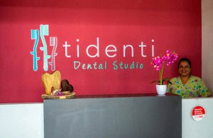 reception counter - Tidenti Dental Studio, Muxbal, Guatemala City-5